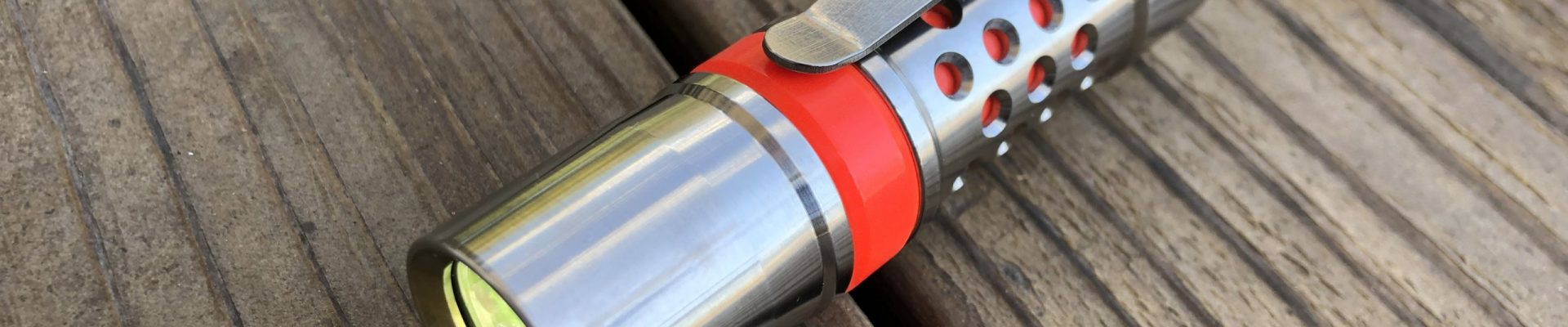 [Quick Hit] Barrel Flashlight M2JN: Form over Function